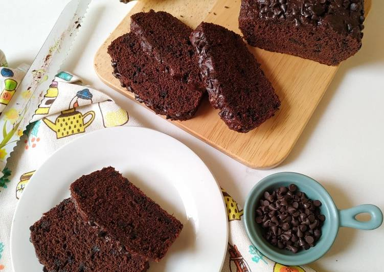 Whole wheat banana chocolate cake