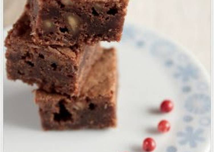 Easy Walnut Brownies for Valentine's