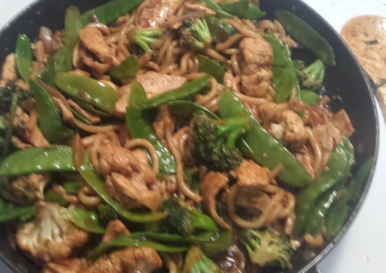 Chicken Udon Stir Fry