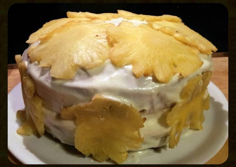AMIES PINEAPPLE CAKE with COCONUT and BANANA