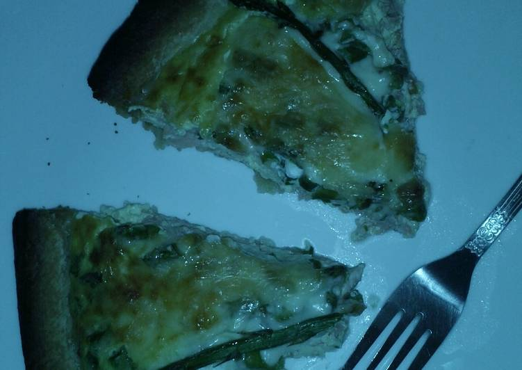Easiest Way to Prepare Yummy Smoked Salmon, Asparagus & Cheddar Quiche