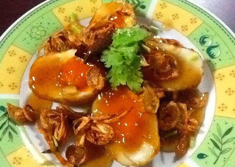Recipe of Ultimate Thai Sweet And Sour Fried Boiled Eggs (Khai Luk Koei)