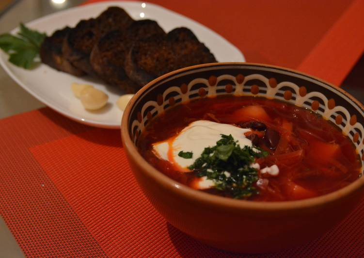 Ukrainian Red Borshch (beetroot soup)