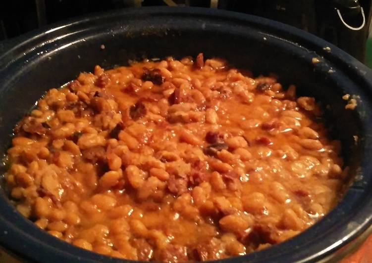 Easiest Way to Make Super Quick Homemade Crockpot Ham and Beans