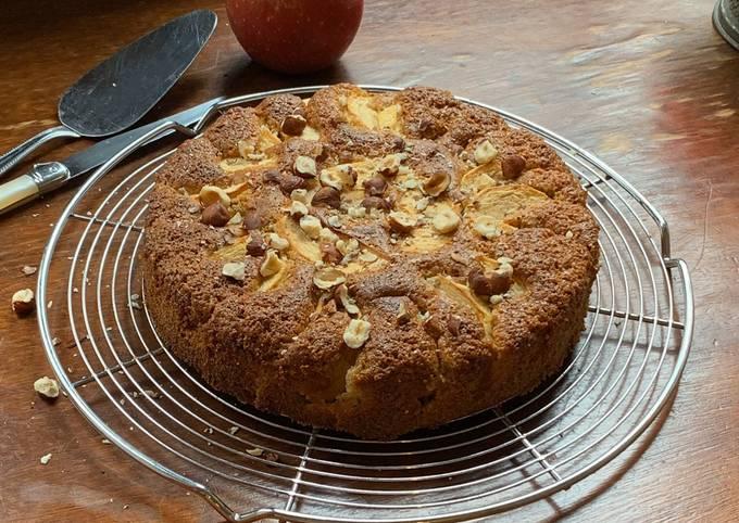 ☆Gâteau au Yaourt à la Grecque, Huile d'Olive, Pommes et Noisettes☆