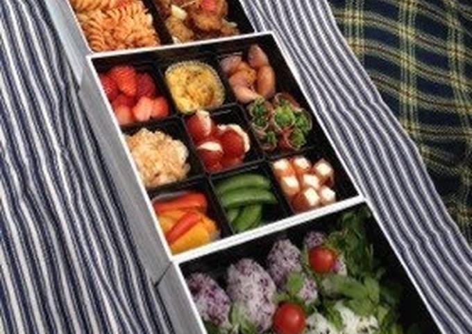 Recipe of Quick DEAN&DELUCA 3-Tier Bento Box for Flower Viewing
