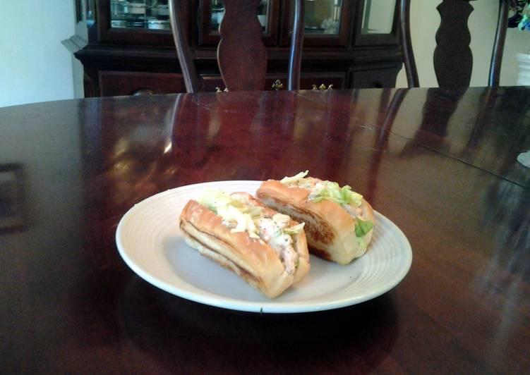 "Toasted Shrimp Salad ""Boats"""
