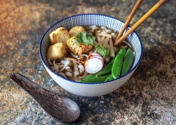 Crispy tofu and rice noodles ramen 🍜 🌱
