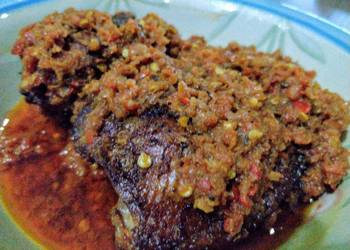 Easiest Way to Prepare Appetizing Crayfish Sauce with Roast Chicken