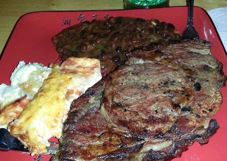 B.b.q prime rib, chile relleno, black bean chili