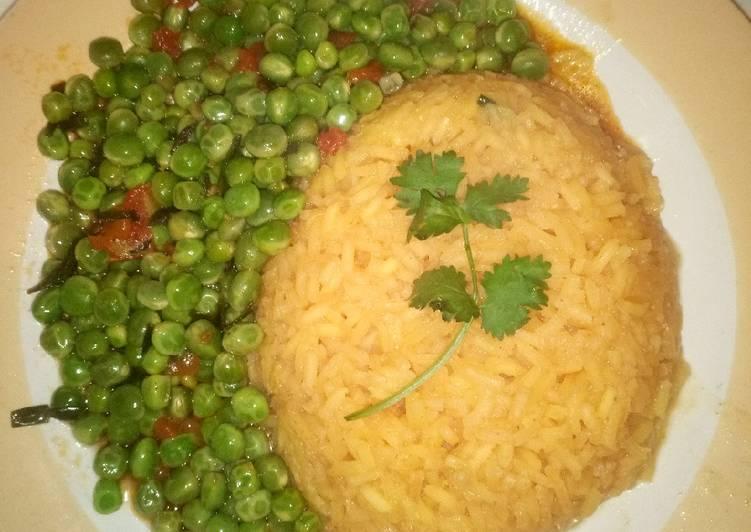 Simple Way to Prepare Homemade Tumeric rice and peas