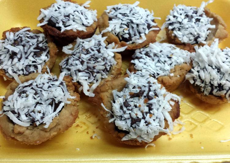 Leah's chocolate coconut tartlets