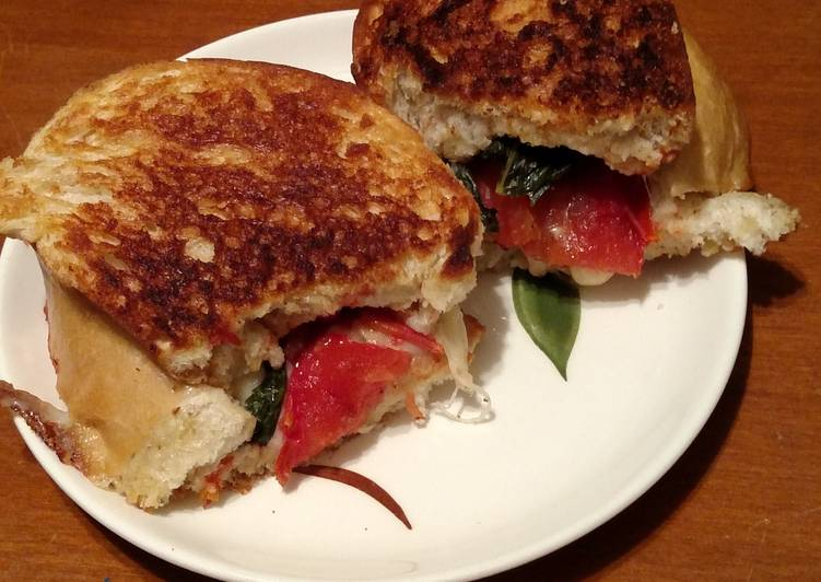 Tomato mozzarella grilled cheese