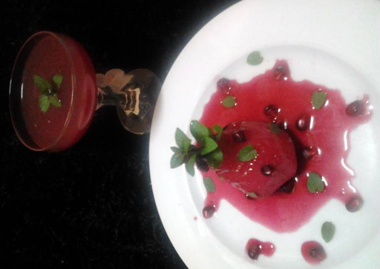 Ladybirds Pomegranate Pouched Pears and Apples with Pomegranate Sparkling .