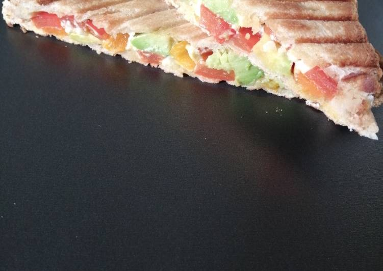 Easiest Way to Make Tasty Croque-monsieur poivron, avocat, feta et ail