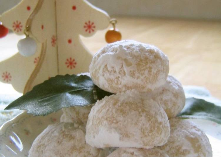 Very Easy! Crispy Snowball Cookies