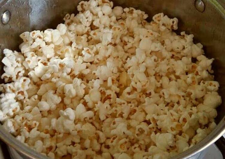Vickys Perfect Stove Top Popcorn - Forget The Microwave Method!