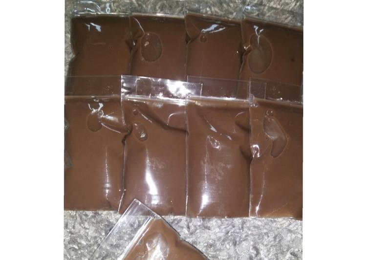 18. Puding Sedot (Pudot) Coklat