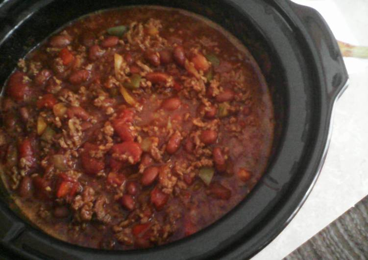 Recipe of Perfect Crock Pot Chili (easy)