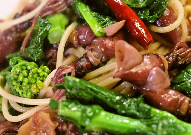 Going Green for Good Health By Eating Superfoods, Firefly Squid and Nanohana Spaghetti