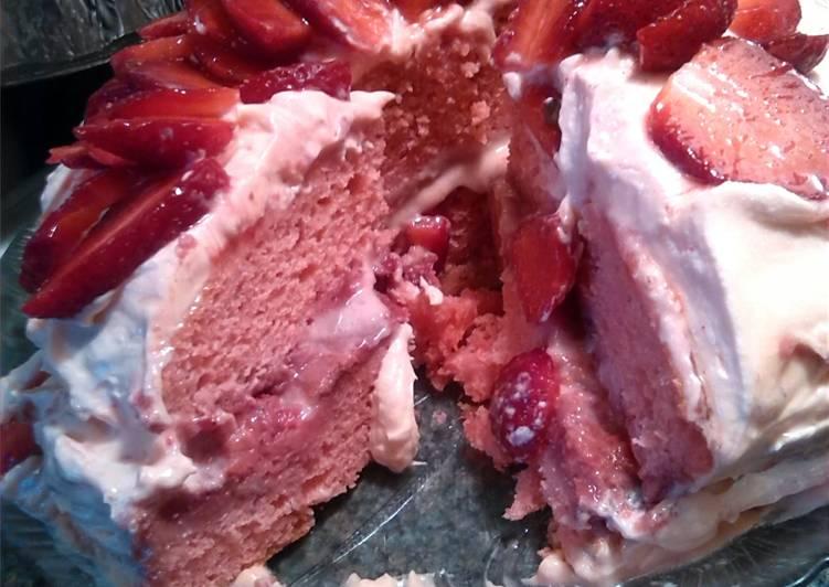 Recipe of Favorite Double delight strawberry cake