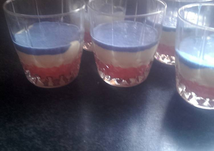 Mandys 4th of July mousse