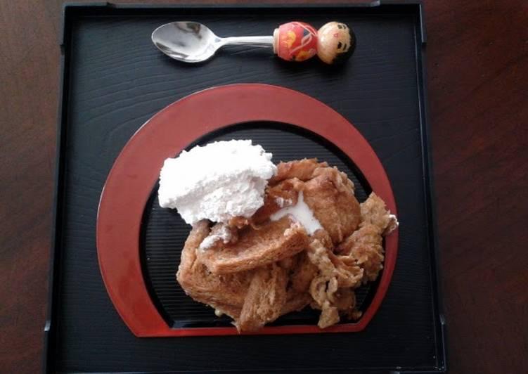 Recipe: Yummy Cinnamon bread pudding with vanilla cream