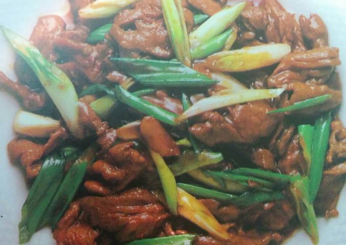 Cantonese stir-fried beef in oyster sauce