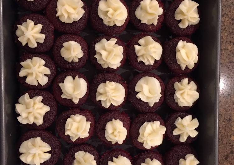 Recipe of Speedy Red Velvet Cupcakes