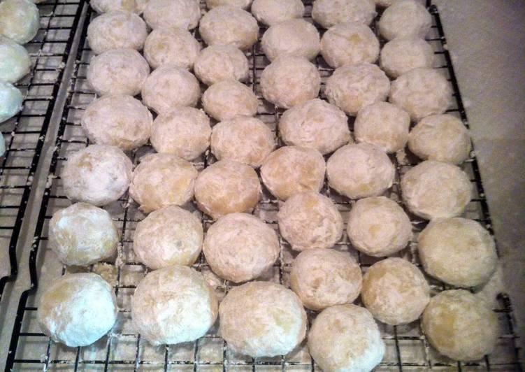 Walnut Butterballs (snowballs)