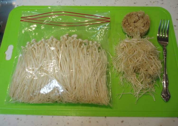 How to Brush-Clean and Freeze Enoki Mushrooms