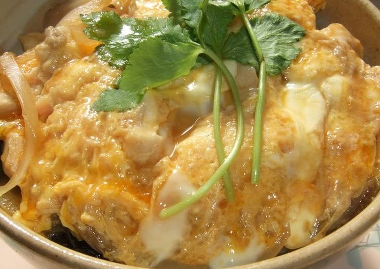 Simple Way to Prepare Homemade Creamy & Fluffy Egg & Chicken Rice Bowl (for One)