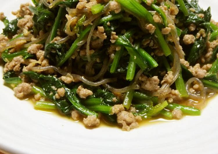Simple Way to Prepare Perfect Stir-Fried Spinach, Pork, and Shirataki