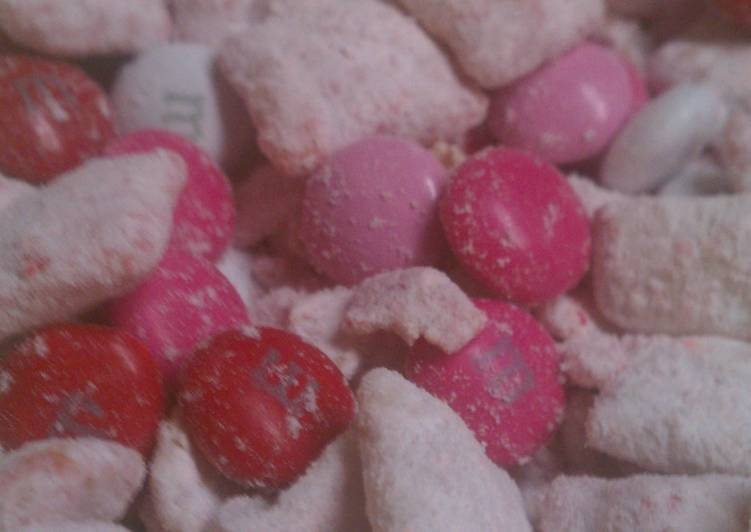 Sweetheart Muddy Buddies