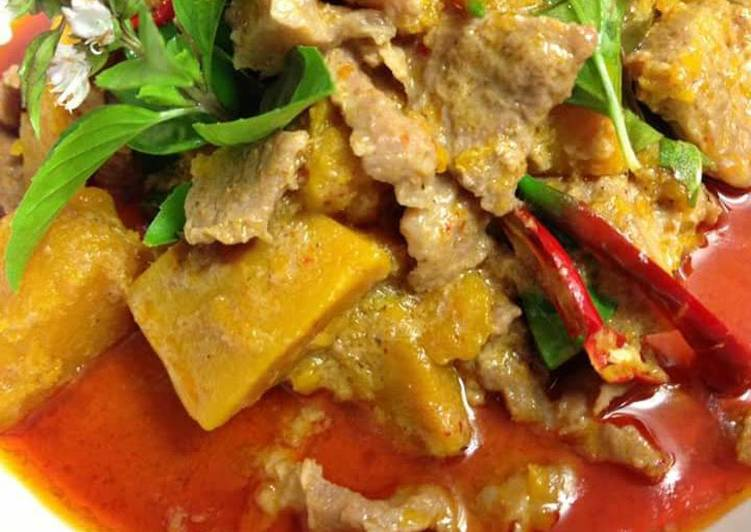 Steps to Make Homemade Red curry with pork and pumpkin