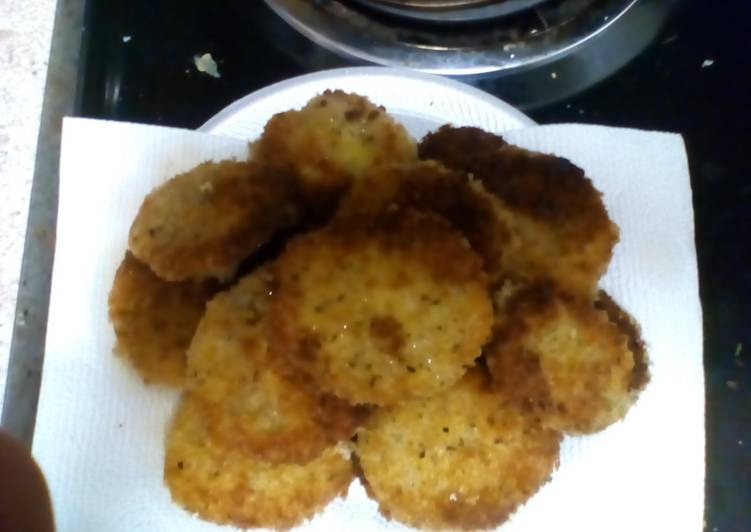 Fried Green Tomatoes with Garlic Panko Crumbs