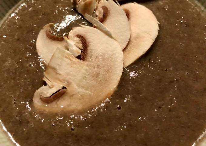 Velouté de champignons de Paris à la moutarde