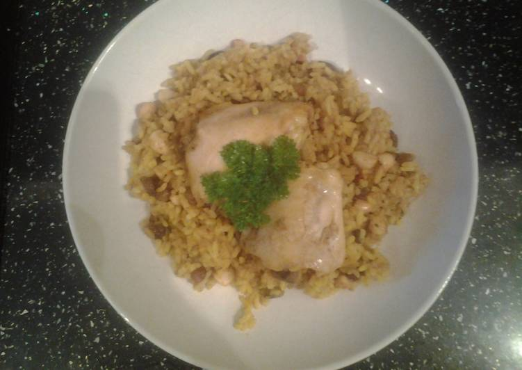 Slow Cooker Spicy Fruit and Nut Chicken Pilaf