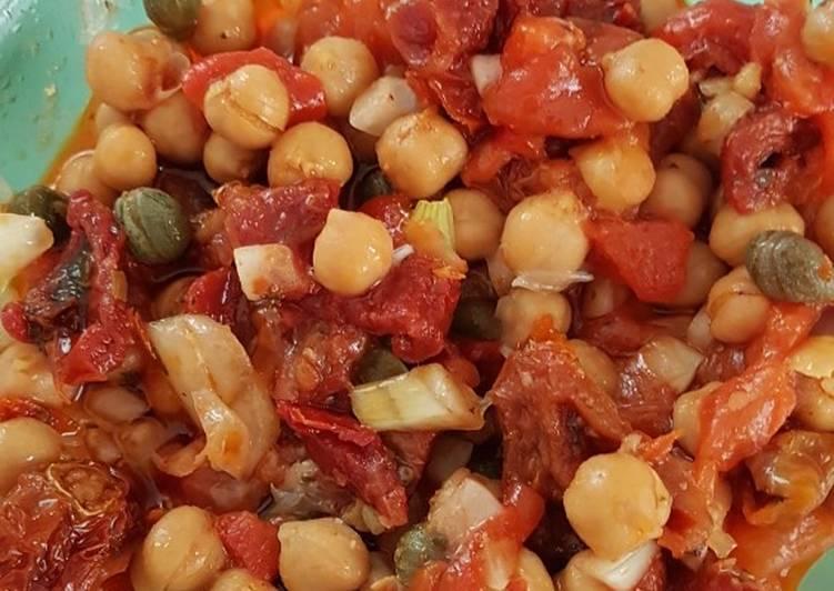 Ensalada de garbanzos con tomates secos