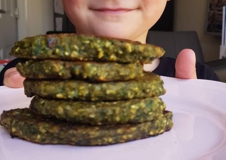 Banana and Spinach healthy vegan pancakes