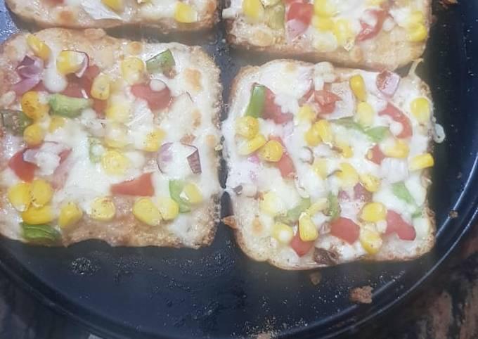 Recipe: Yummy Bread pizza-simple recipe for pizza lovers in lockdown