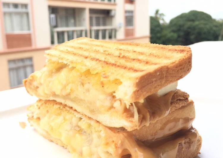 Recipe: Delicious Peanut Butter And Banana Sandwich