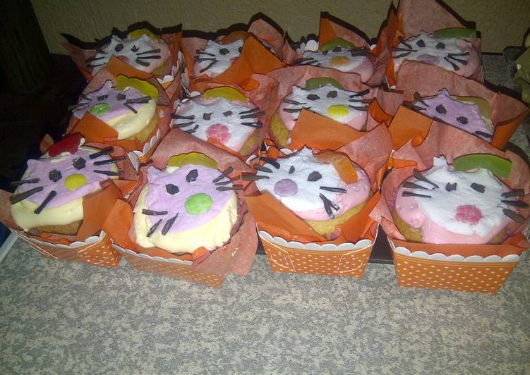 Easiest Way to Prepare Super Quick Homemade HELLO KITTY CUPCAKES