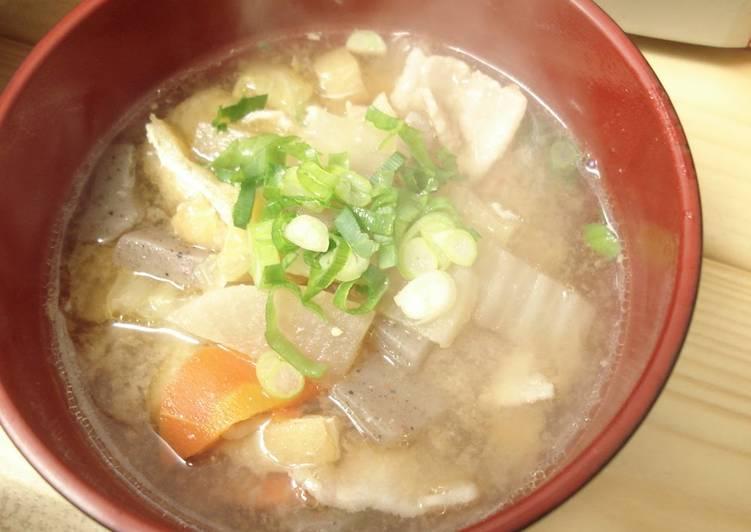 """""""Tonjiru"""" (Japanese style Pork soup)"""