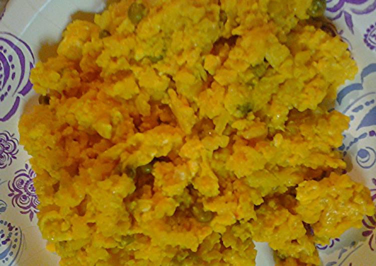 Recipe of Super Quick Homemade Scramble eggs with leftover yellow rice and chicken