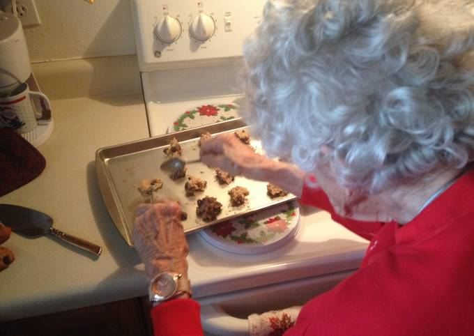 How to Cook Best Nanny's Oatmeal Raisin Cookies
