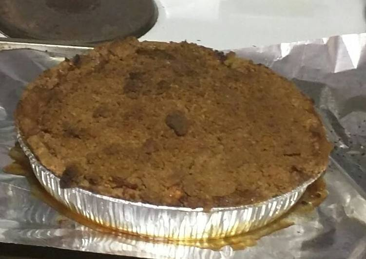 "Easiest Way to Prepare Favorite ""Grandma's"" Apple Pie w/ Crumb Topping and No Roll or Pre-bake Pie Crust"
