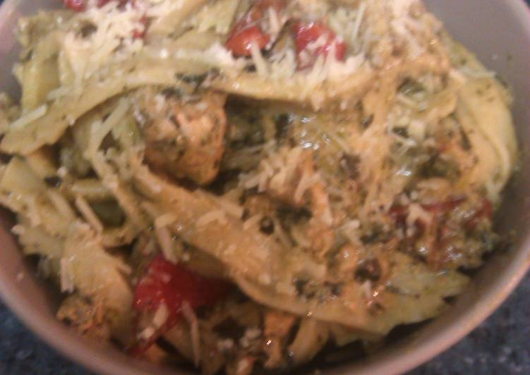 Ooh la la chicken pesto fettucine