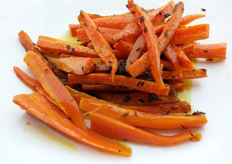 Baked carrot (cumin seeds and olive oil)