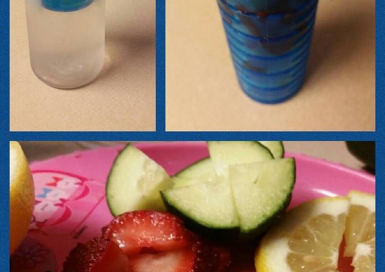 Alee's Detox Water                       -Cuc/lem/straw-
